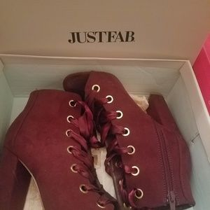 Burgundy ribbon lace up booties!